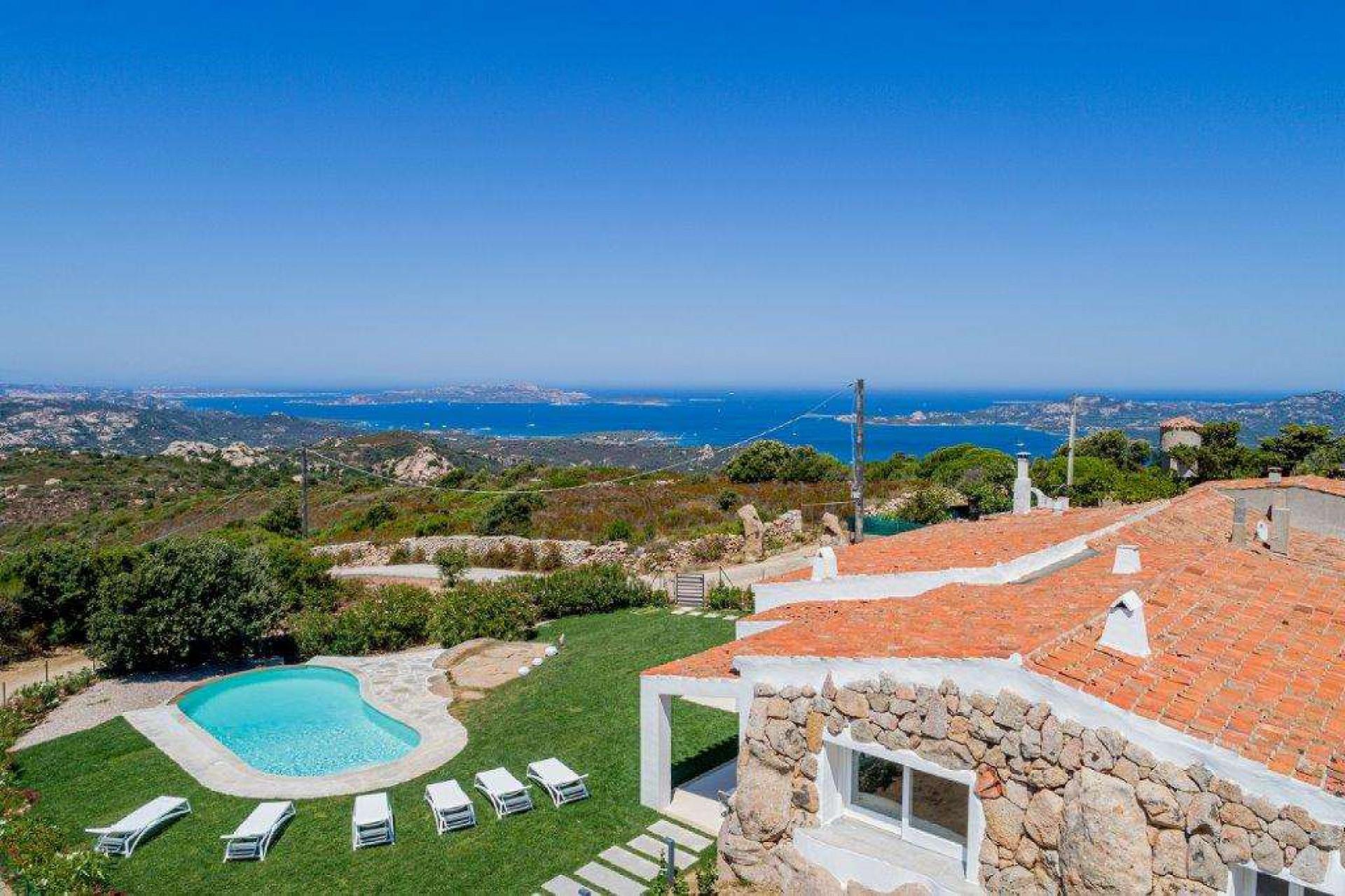 Villa with sea view. For sale