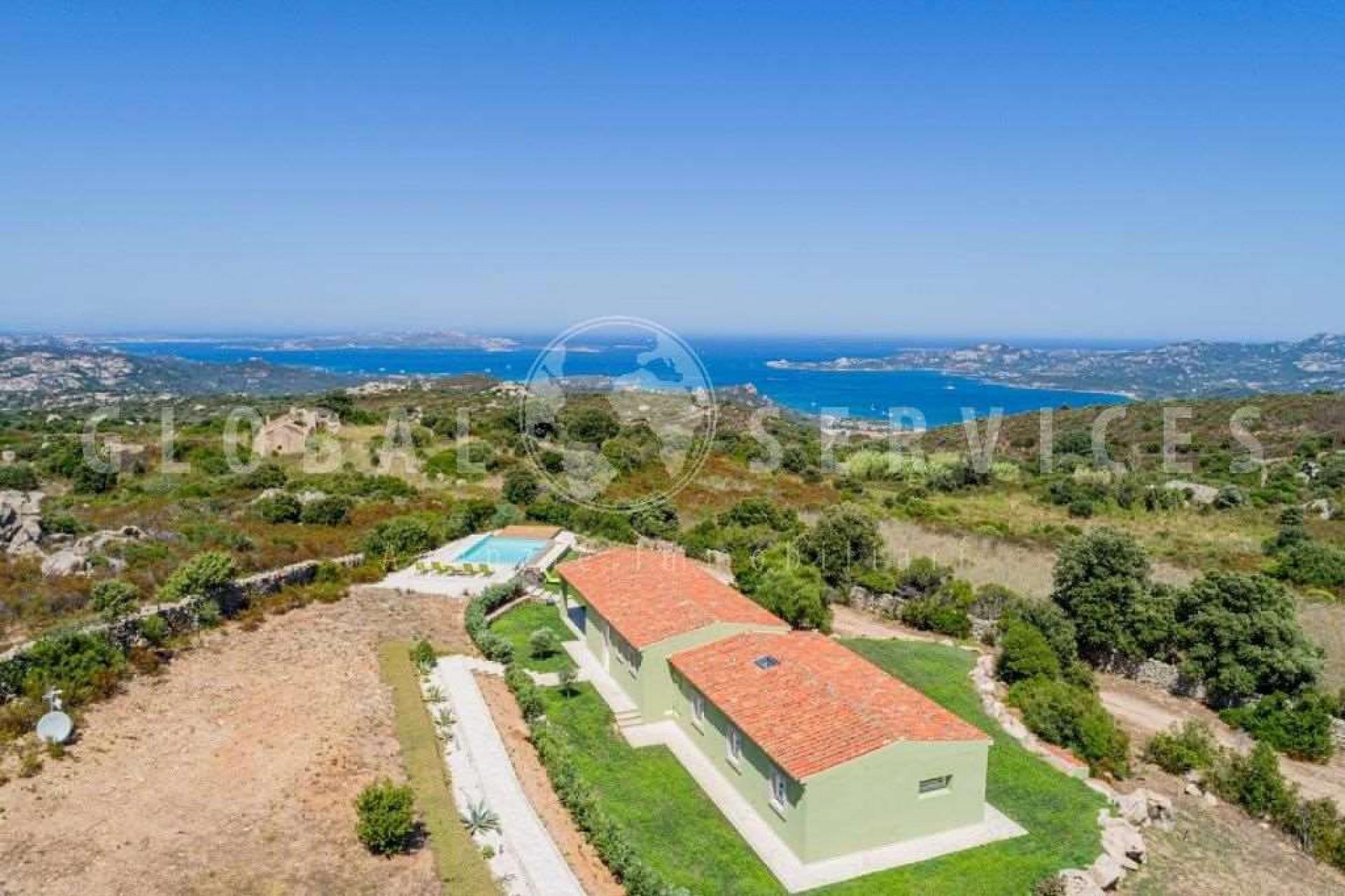 Cannigione villa for sale