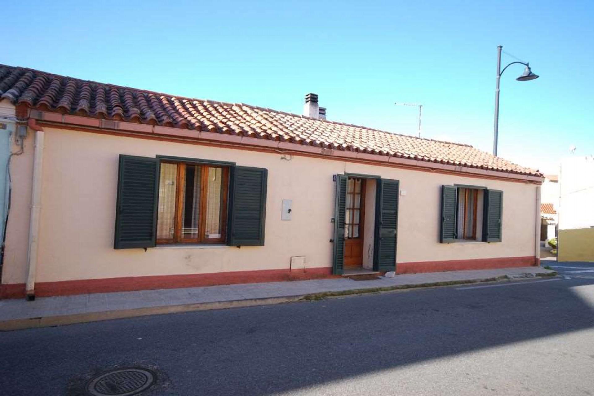 San Pantaleo ancient detached house for sale