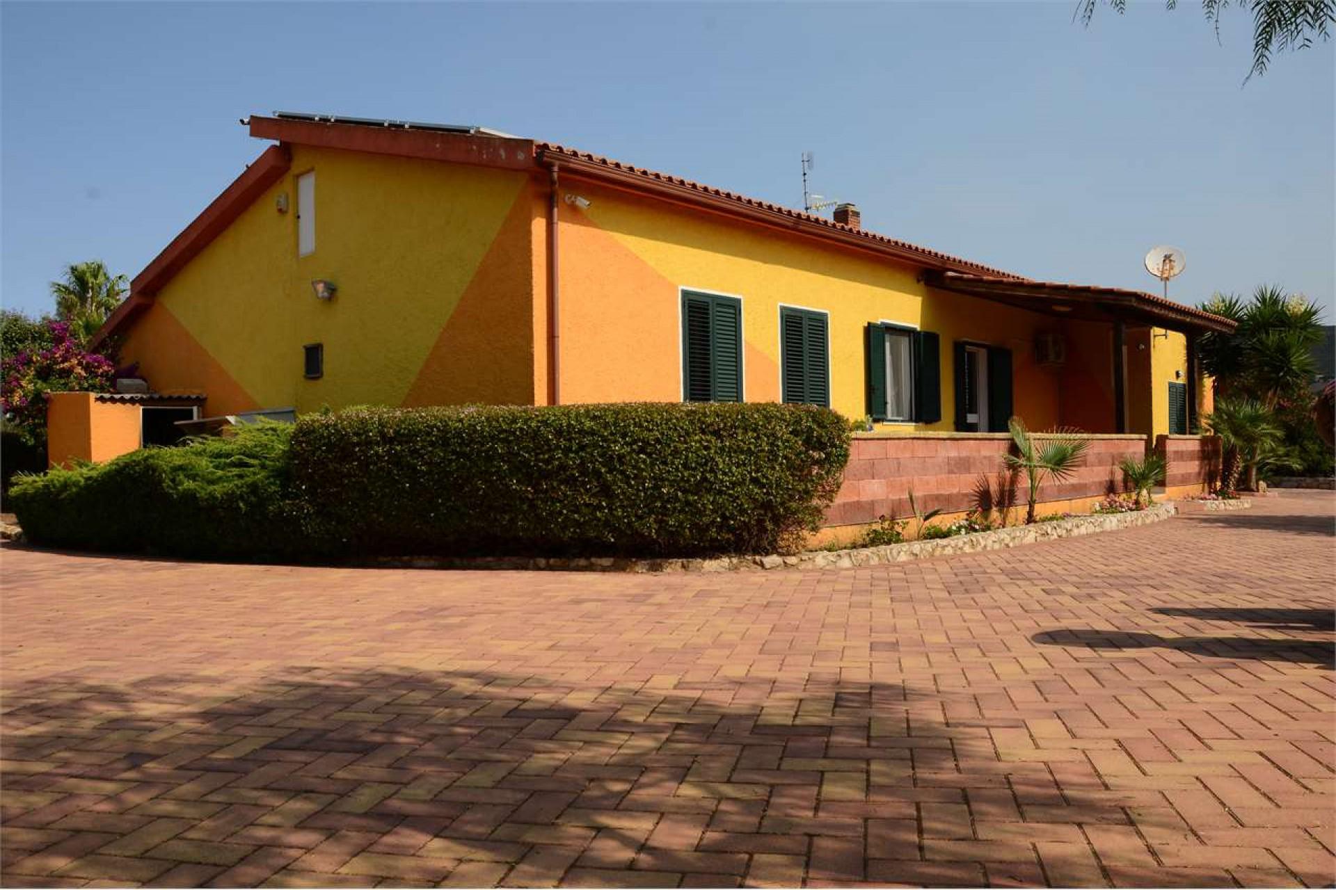 Alghero  villas and swimming pool