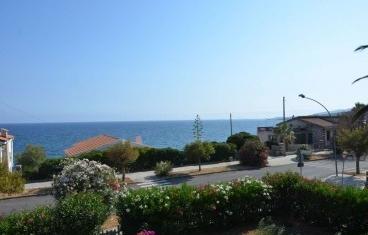 Lungomare Rovigno, portion of villa with sea view
