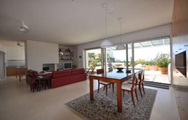 Alghero vendesi attico con piscina e terrazza